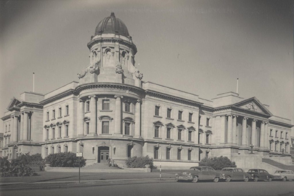 Prior to moving to Robson Hall in 1969, the Manitoba Law School was located in the Law Courts Building at Broadway and Kennedy.